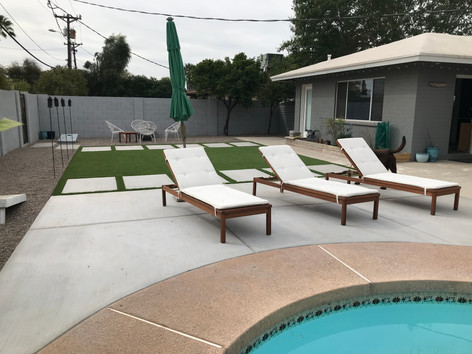 Simple with Pool Seating