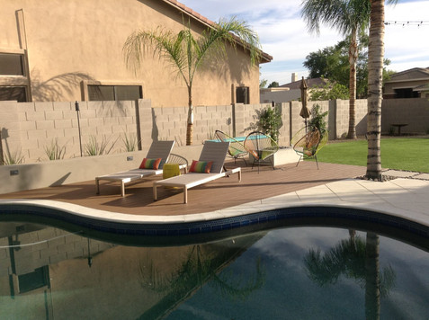 Pool with Seating.jpg