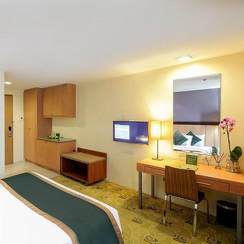 Greenhills Elan Hotel Modern (1 Night)