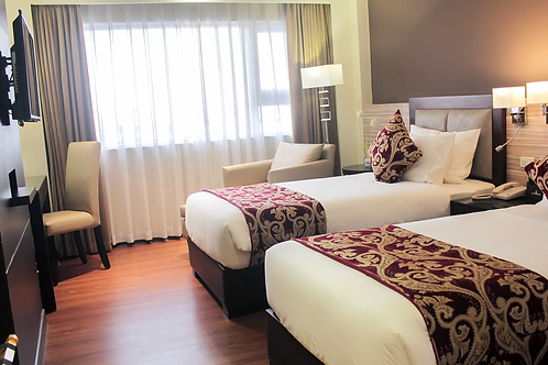 Brentwood Suites (1 Night)