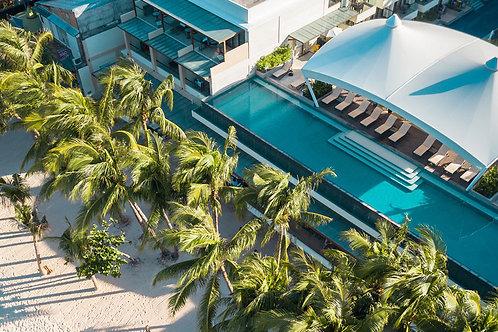 Hennan Palm Beach Resort (1 Night)