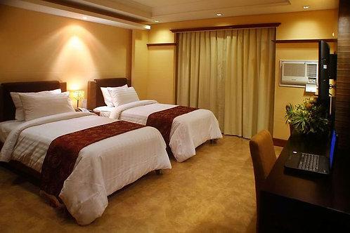 Hotel Del Rio (1 Night)