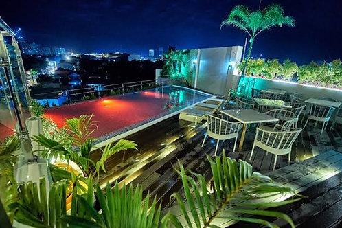 J7 Plaza Hotel (1 Night)