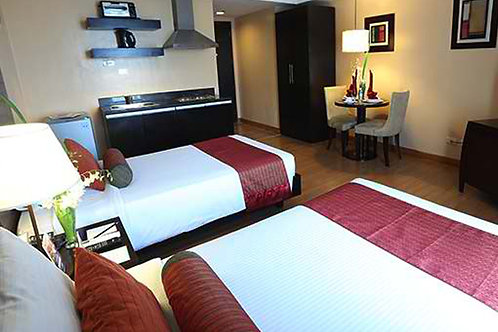 Lancaster Hotel (1 Night)