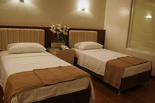Splash Suites Hotel-Laguna (1 Night)