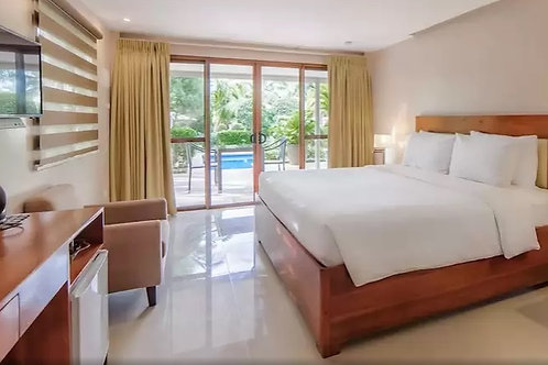 Alona Golden Palm Resort (1 Night)