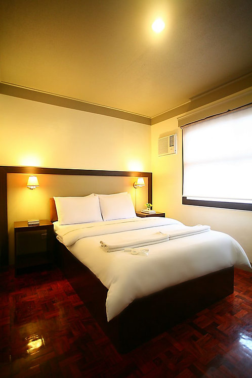 Baguio Holiday Villas (1 Night)