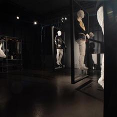 Macchina che produce moda che produce arte. O forse no.
