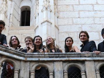 L'Ensemble la Pellegrina sur le parvis du Sanctuaire de Rocamadour