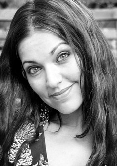 Emmanuelle Zoldan - Mezzo Soprano - rôle : La Grande Duchesse