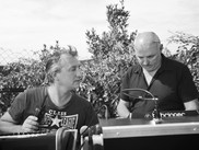 Les techniciens Richard Ascargorta et Alain Chetritt
