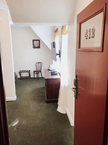 Suite 412