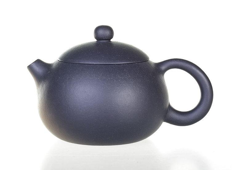 Глиняный чайник черный