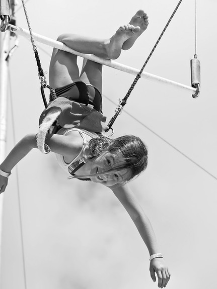 young%20girl%20on%20the%20trapeze_edited