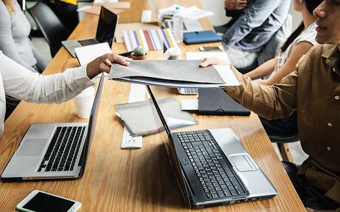 advice-business-colleagues-1161465.jpg