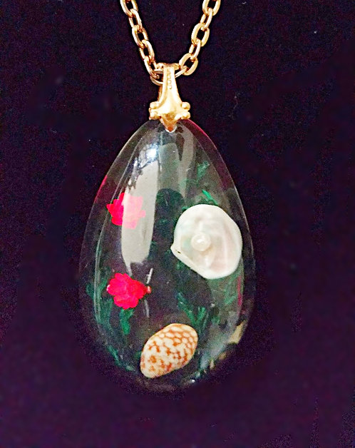 1950's Lucite Seashell Teardrop Pendant Necklace, Underwater Scene