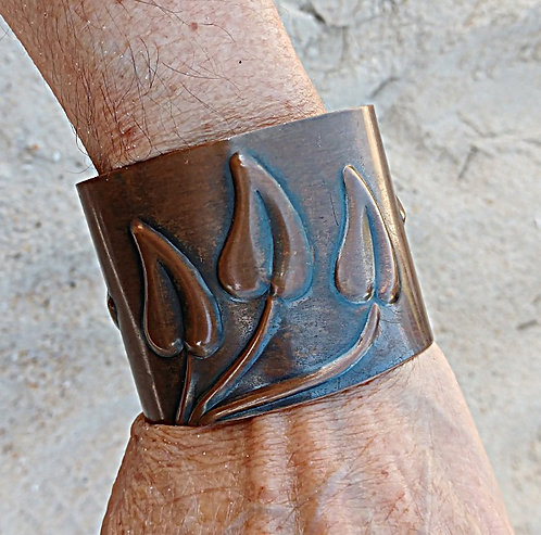 Mid-Century Copper Rebajes Copper Cuff with Art Nouveau Style Leaves