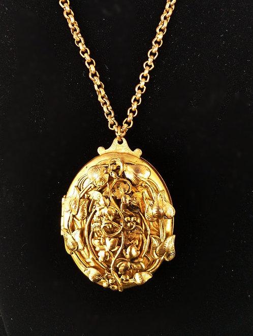 Large Ornate Vintage Locket in Antique Gold with Leaf Art Nouveau Design