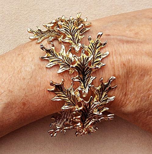 Vintage 1970's Oak Leaf Bracelet in Bright Gold Tone