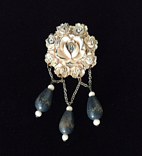 1940's Floral Plastic, Wood & Chain Brooch in Navy Blue