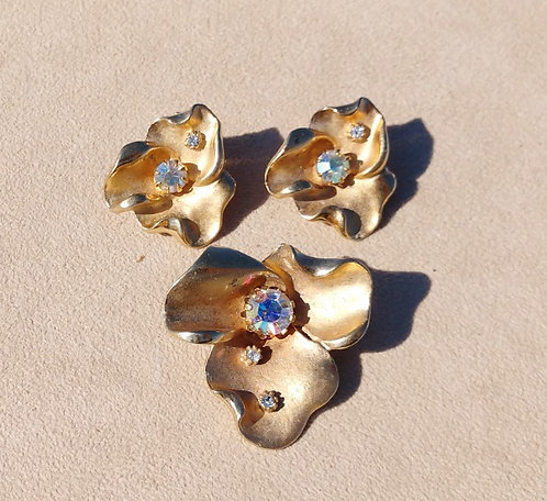 Double Demi Parure Brooch & Clip-on Earrings, Pansy Design in Gold & Rhinestones