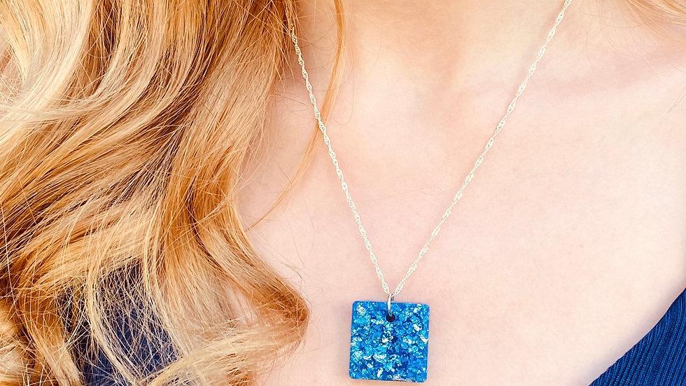 Timeless blue resin necklace