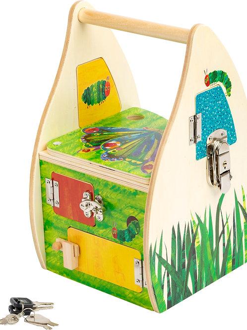jouet montessori, maison à serrures, la chenille qui fait des trous, jouet en bois, jouets en bois, jouets de léa