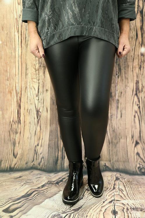 Curvy Leather Look Leggings