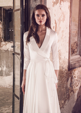 Liri Bridal Long Sleeve Selena Wedding Dress