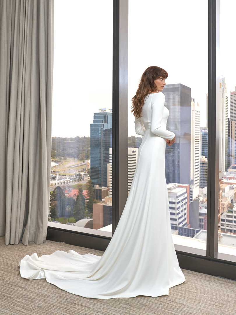 Cizzy Boat Neck Sleeve Gown