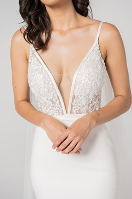 Beautiful Cizzy Spot Plunge Gown