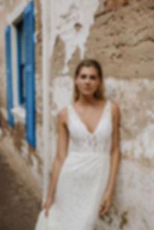 03-Rosie-wedding-dress-front-details-600