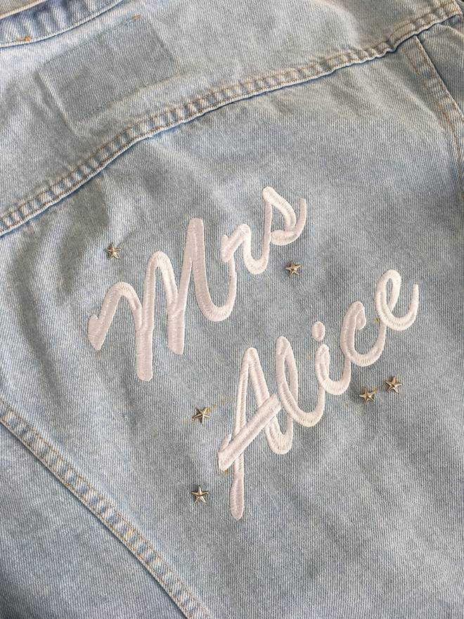 Personalise your jacket to rock your wedding
