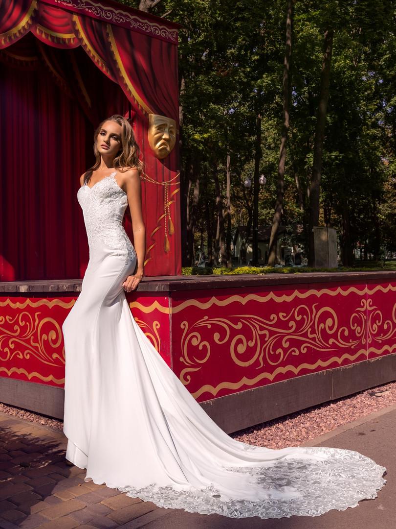 Liri Bridal's Eden Bridal Gown