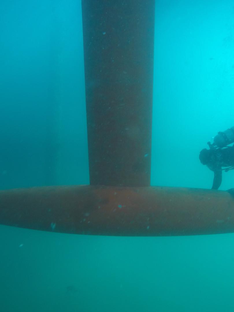 underwater clean