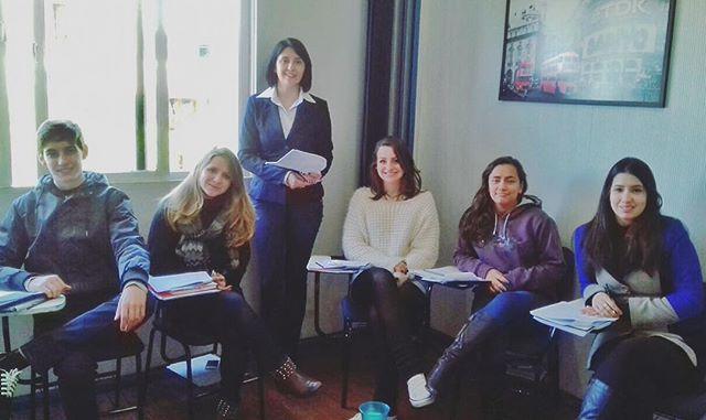 O TREINAPRO é um programa de aperfeiçoamento para professores continuado, disponibilizado pela Matri