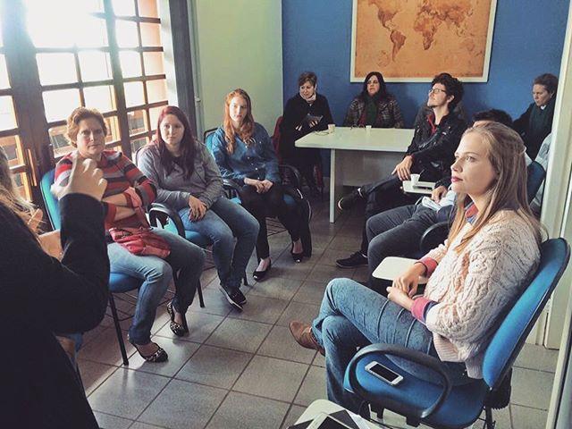 Quer fazer intercâmbio de estudos de idiomas, profissionalização ou trabalho voluntário_ A parceira