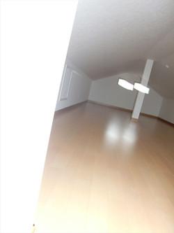 05-room22.jpg