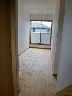 05-room13.jpg