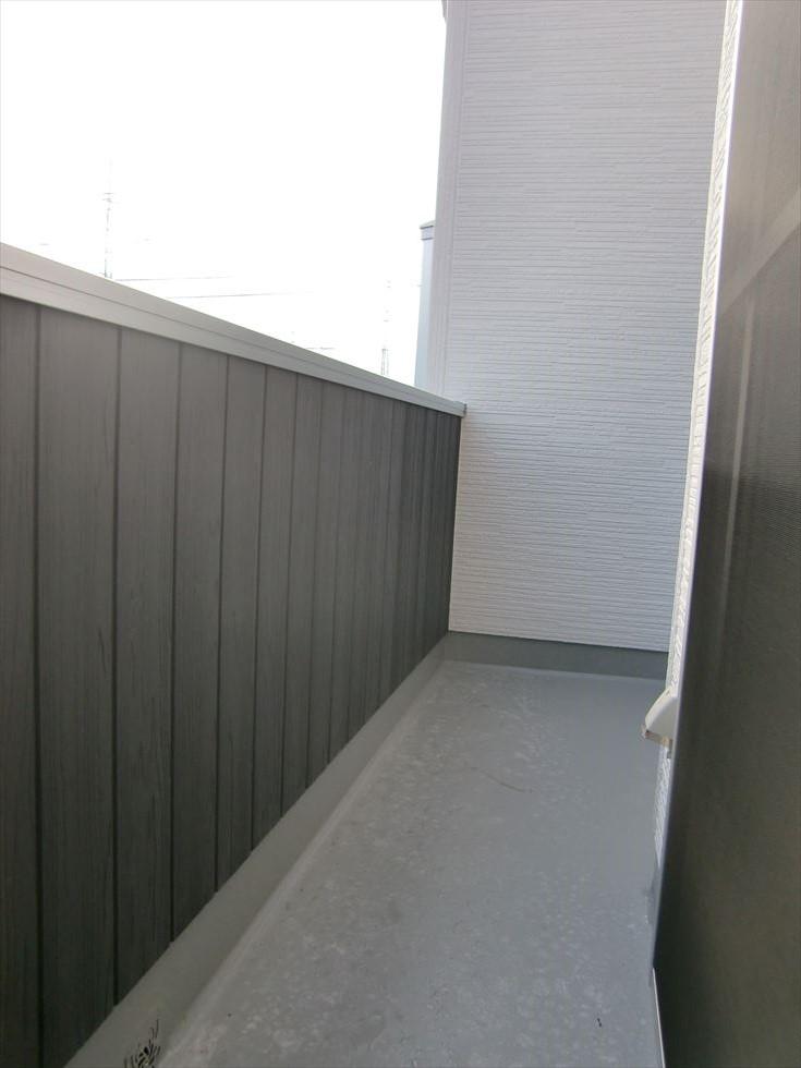 03-room28.jpg