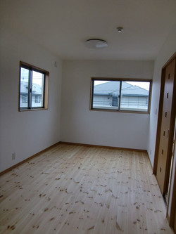 05-room18.jpg