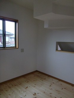 05-room20.jpg