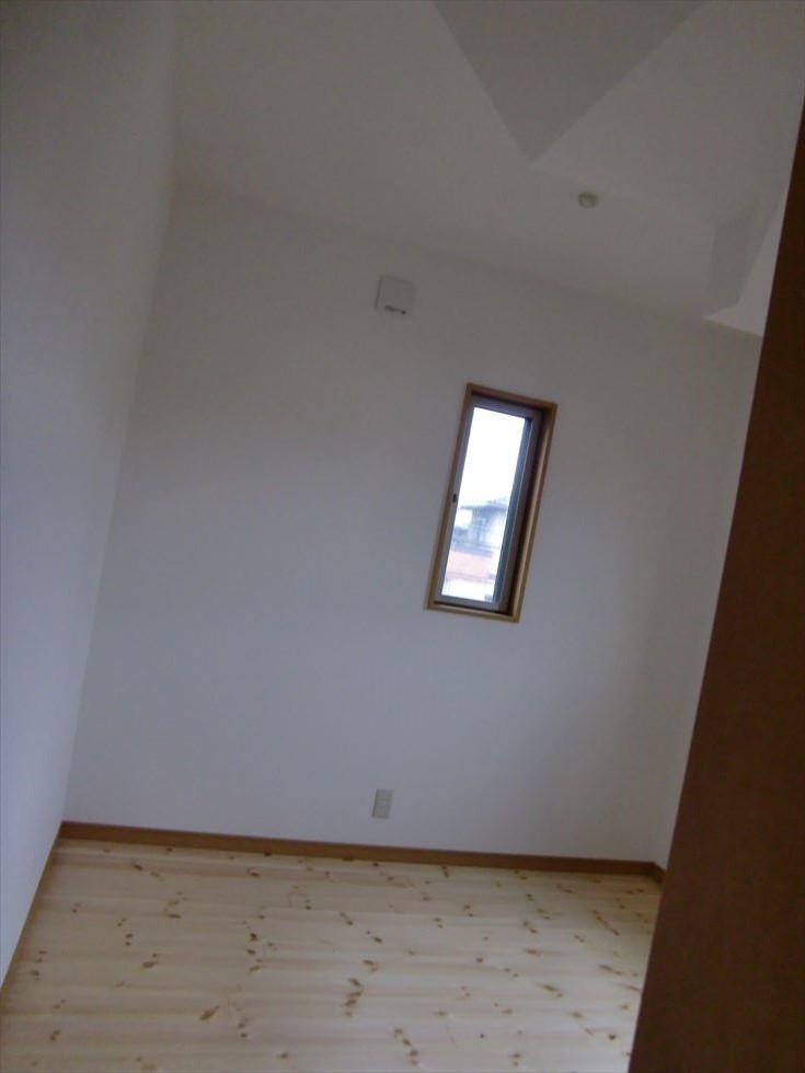 05-room21.jpg