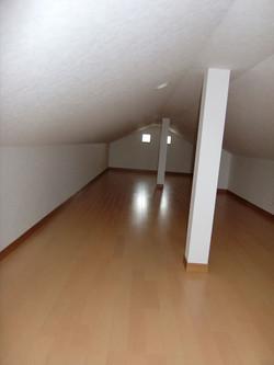 05-room23.jpg
