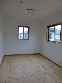 05-room17.jpg