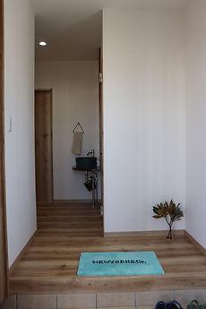 13.玄関.jpg