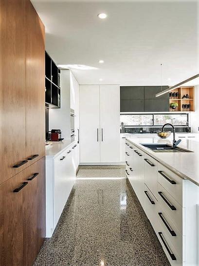 Island Kitchen.
