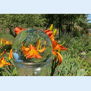 035_a Sylvia Pyzocha - Glass Ball - Phot