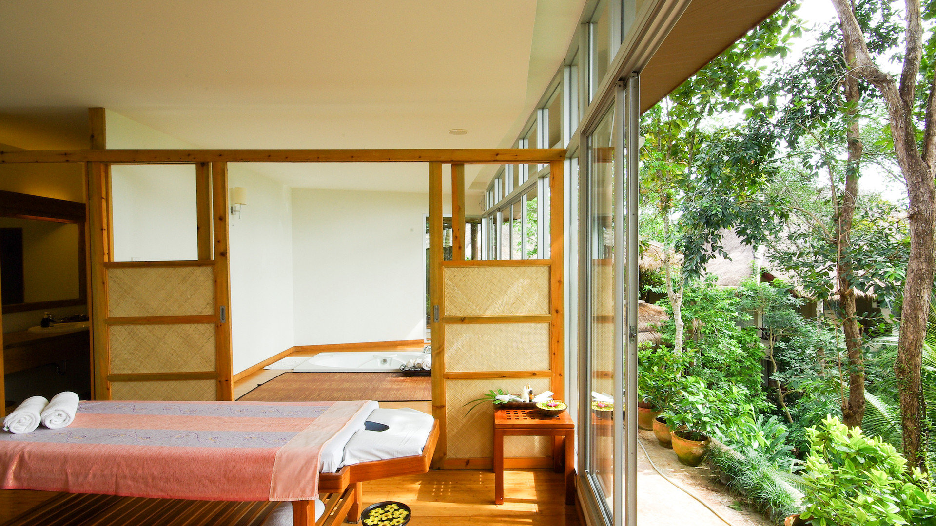 spa-open-nature-room_BwDTdyO2Me.jpg