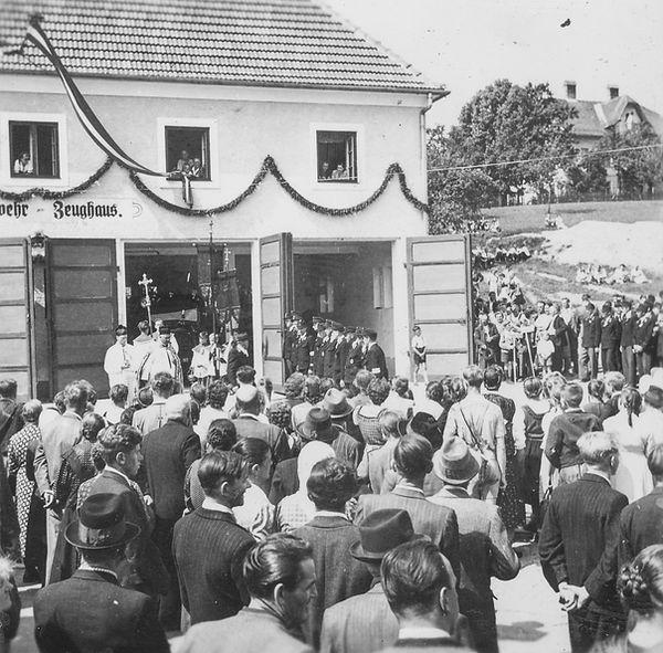 FF Chronik_212_1952 Feuerwehrhausweihe.j